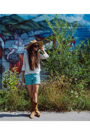 light brown straw hat Dorfman Pacific hat