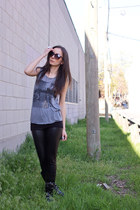 black chain detail unknown boots - heather gray raw edge brandy melville shirt