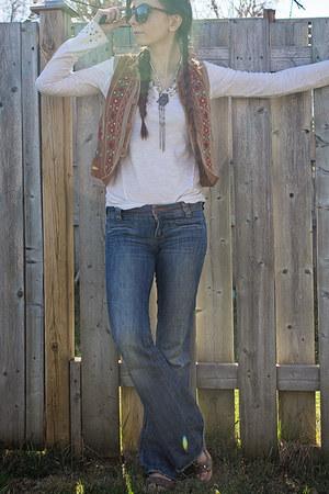 light brown embroidered vintage vest - blue flares dittos jeans