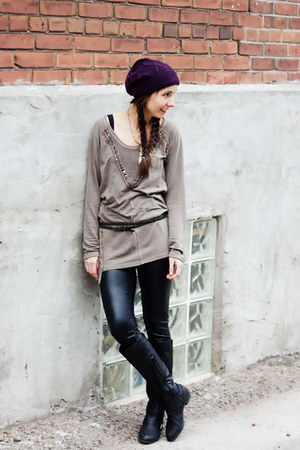 deep purple slouchy Tristan hat - light brown embroidered free people shirt
