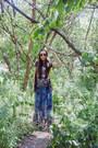 Heather-gray-graphic-tee-ungalli-shirt-navy-maxi-skirt-anthropologie-skirt