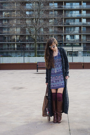gray long cardigan le chateau cardigan - dark brown riding unknown boots