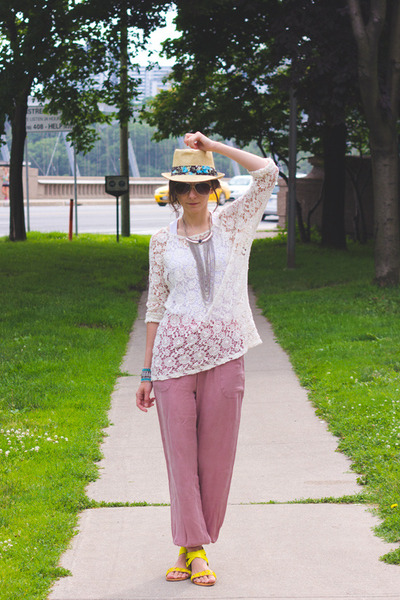 nude fedora unknown hat - off white crochet lace Zara top