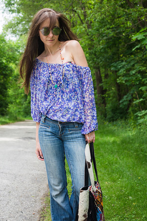 deep purple chiffon hm top - blue flares dittos jeans