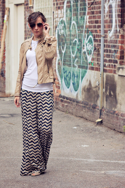 tan palazzo L-Atiste pants - tan pleather f21 jacket - white long sleeve Gap top