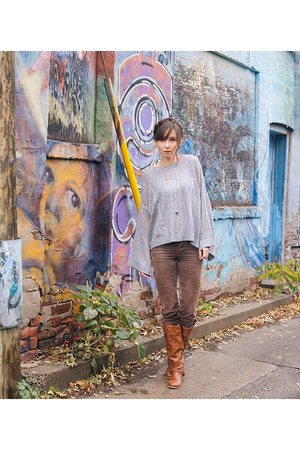 heather gray retro unknown sweater - light brown corduroy le chateau pants