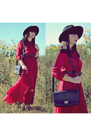 brick red GAMISS dress - black H&M hat