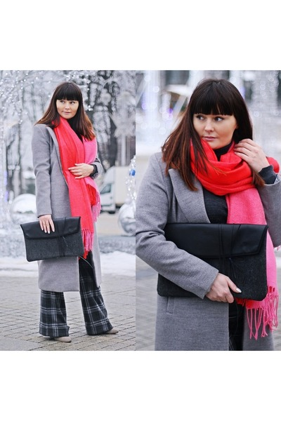 red H&M scarf