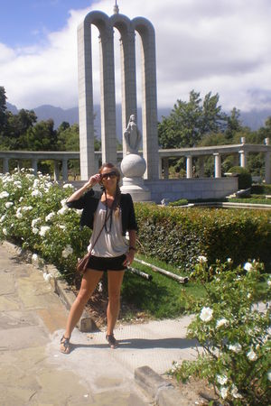 black Miss Selfridge shorts - beige new york top - black vintage blazer - black