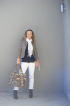 white jeans - black sweater - brown boots - brown blazer