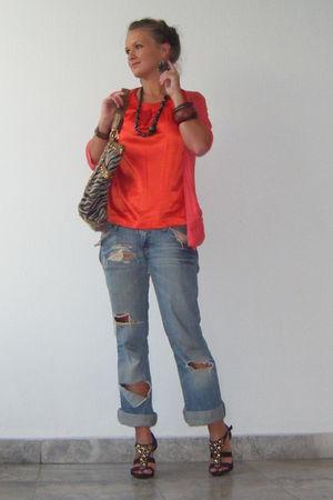 gray blouse - blue jeans