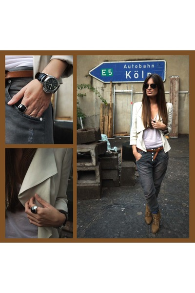 white blazer - white top - gray jeans - brown shoes - brown belt - black accesso