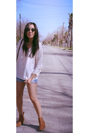 H&M boots - brandy melville bag - Forever 21 shorts - threadsence top