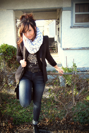 black Forever 21 blazer - black thrifted shoes - navy Target jeans