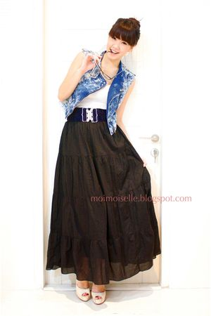 blue Zara vest - black Zara skirt