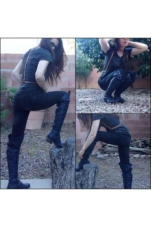 black jeans - navy boots - light brown harness vest