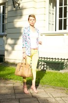 turquoise blue floral print c&a jacket - light yellow Zara pants