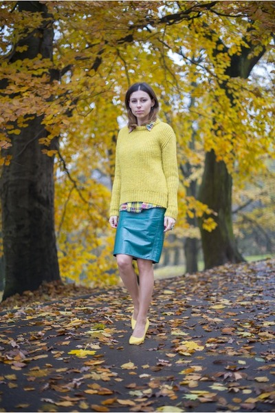 green leather Front Row Shop skirt - lime green wool Zara sweater
