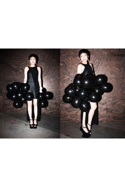 Shakuhachi dress - Jeffrey Campbell heels - Vivian Kelly earrings