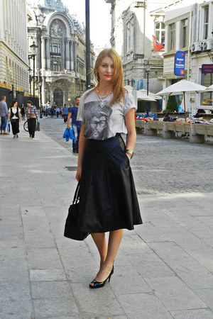 vintage skirt - Zara bag - Bershka t-shirt