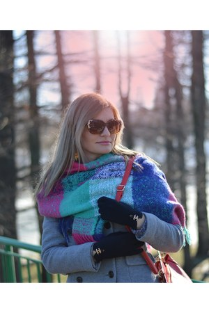 Gap coat - Chanel gloves