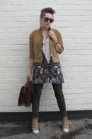 beige vintage jacket - gray vintage shirt - green next pants - beige ASH boots -