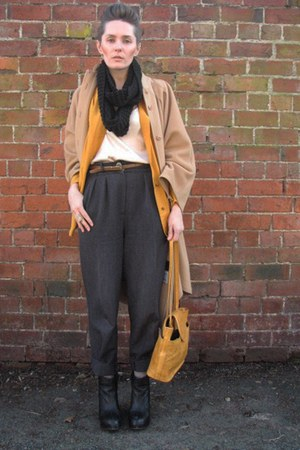 thrifted vintage coat - mustard thrifted vintage shirt - thrifted vintage bag -