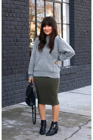 heather gray vintage sweater - black thrifted boots - olive green Ibiss dress