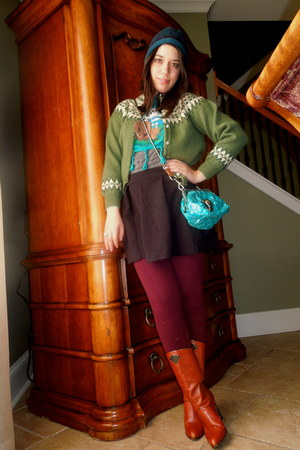 tawny vintage boots - deep purple Lululemon leggings - teal Marc Jacobs bag