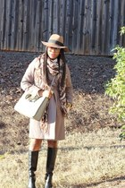 Oscar de la Renta scarf - Nine West boots - Gucci sunglasses