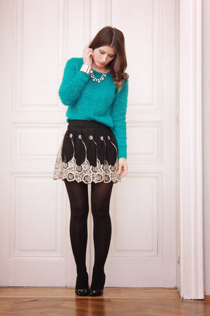 turquoise blue cotton H&M sweater - black lace awwdore skirt