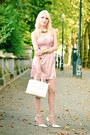Light-pink-oasap-dress-white-furla-bag-gold-cartier-trinity-ring