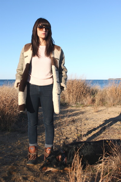 vintage coat - borrowed sweater - Seven jeans - Thermolite boots