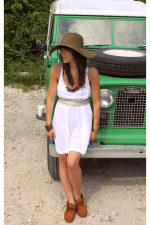 brown Jcrew hat - brown Minnetonka shoes - white madewell dress