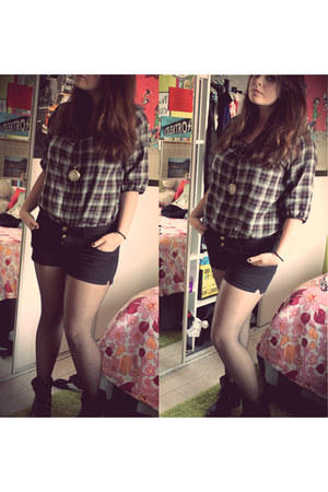 vintage blouse - Stradivarius shoes - Pull and Bear shorts - Cadeau accessories