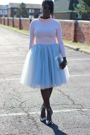 silver tulle skirt - light pink top - charcoal gray tie up heels