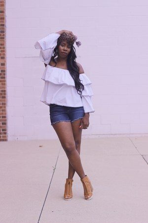 white ruffled AmiClubWear top - brown booties shoes - navy jean shorts