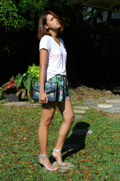 floral envelope Zara purse - floral chiffon Forever 21 shorts