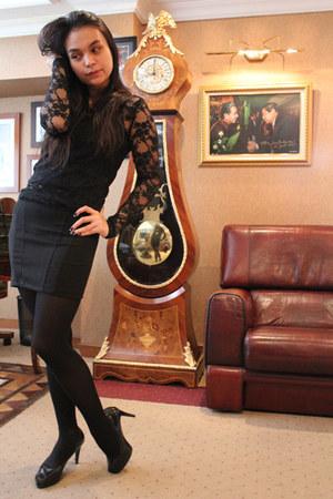 black Forever21 bodysuit - black unbranded skirt - black Charles & Keith heels