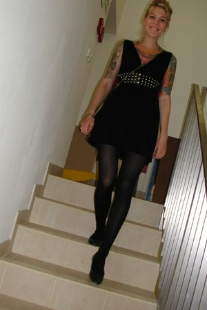 Zara dress - Zara belt - Zara purse - H&M tights - H&M shoes - Topshop accessori