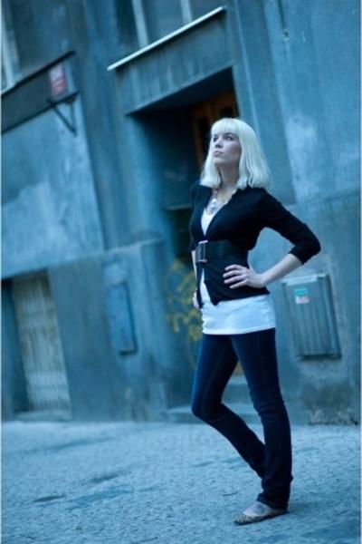 Zara jeans - Zara shirt - Topshop belt - H&M sweater - Zara shoes