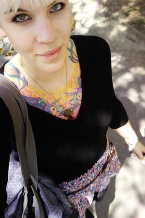 Zara t-shirt - Stradivarius belt - pull&bear skirt - veromoda purse - Bershka ja