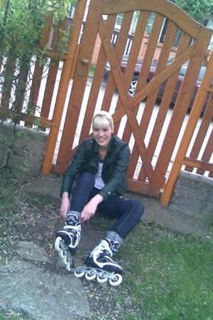 Zara jacket - Stradivarius t-shirt - Zara jeans - K2 skates shoes