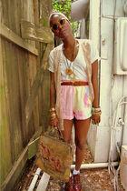 yellow bag - orange shoes - white plain white tee shirt - pink shorts