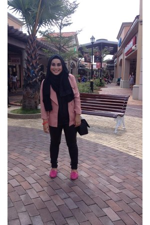 light pink blazer - black scarf - black Chanel bag - black cotton on top