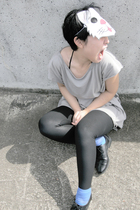 silver t-shirt - black leggings - shoes - blue socks