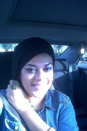 Forever21 hat - Charlotte Russe blouse - Forever21 ring