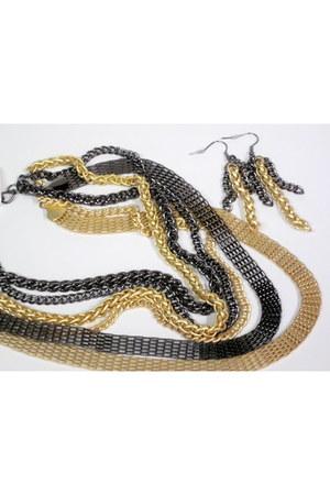 black My Alexas Store necklace