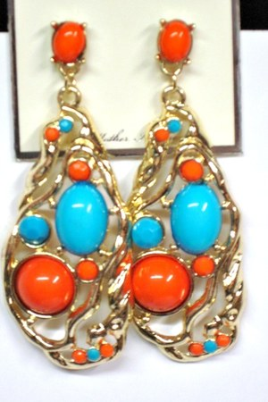 gold goldtone My Alexas Store earrings