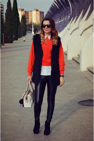 black Stradivarius boots - coral zaful sweater - bubble gum Guess bag